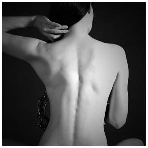 Aktfotografie / Erotikfotografie beim Fotograf - Giessen - Rückseite einer Dame