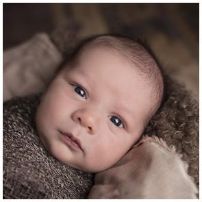 Babys und Neugeborene - immer ein Foto vom Profifotograf wert - Süßes Baby