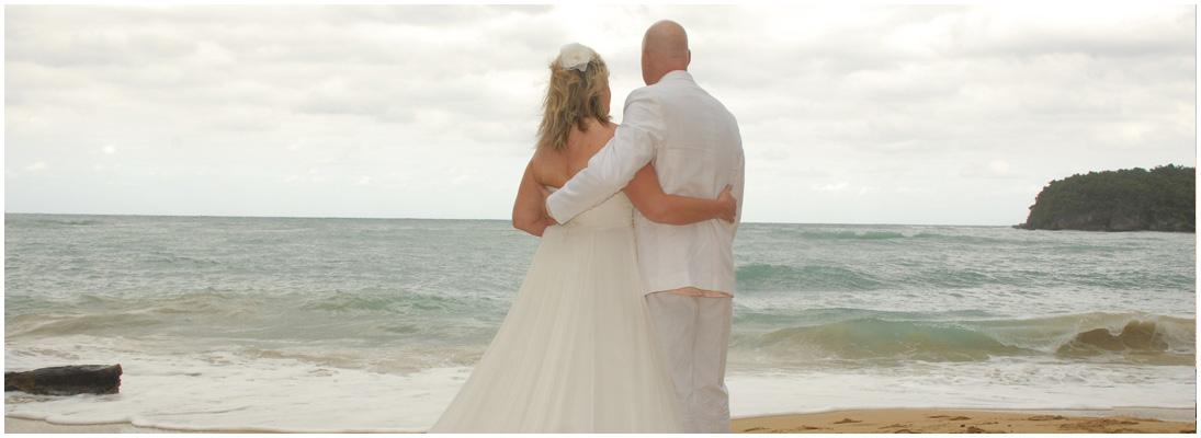 Hochzeitsfoto - Fotowerkstatt Lich Ihr Fotograf bei Giessen - Brautpaar am Strand
