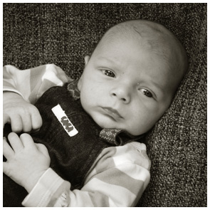 Kinderfotografie Giessen - Fotoprofi - Baby in Strampler